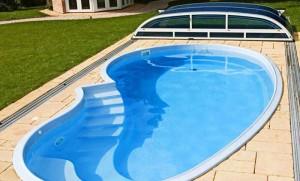 Prefabbricate monoblocco tradate prealpipool for Polyester zwembad plaatsen